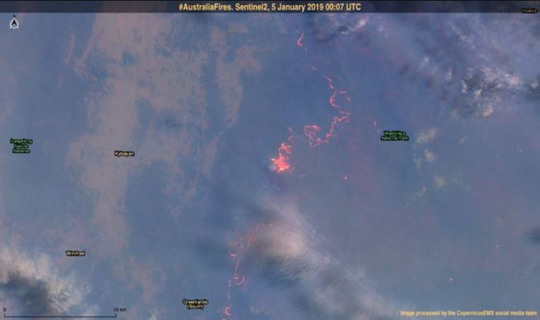 SATELLITE-IMAGE-OF-AUSTRALIAN-FIRES