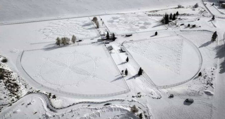Artist Simon Beck Records A History For Creating Snow Drawings By Walking For Hours At A Time!