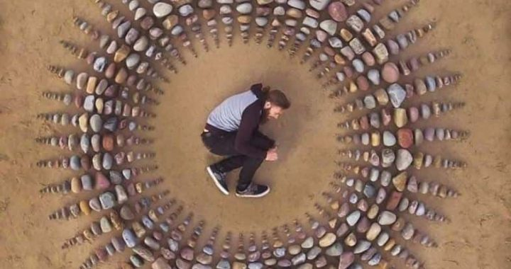 I Bet Jon Foreman's Land Art Will Cheer You Why You Should Spend More Time On The Beach!